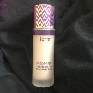 Tarte shape tape foundation in fair neutral